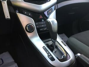 2011 CHEVROLET CRUZE 1LT * SUNROOF * PREMIUM CLOTH SEATING * POW London Ontario image 18
