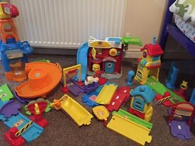 Selection of toot toot tracks with cars etc £60
