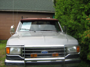 1989 Ford F-250 Camionnette