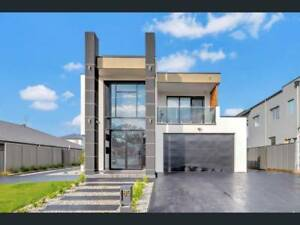 FOR SALE BREATHTAKING, 50 SQUARES HOUSE,PLUS GRANNY FLAT !!