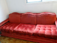 Rouge Futon/Red sofa