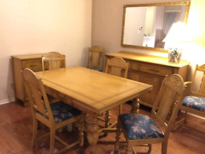 Antique dining room set (9 piece set)