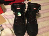 Waterproof size ten work boots dickies