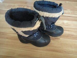 Bottes d'hiver fille gr.11 de marque ACTON (très chaudes)