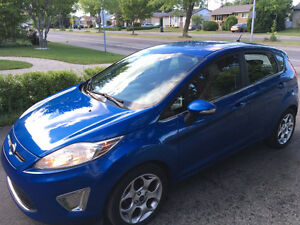 Ford Fiesta SES 2011 Hatchback / Air climatisé, automatique