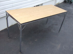 5 ft x 2ft table $13