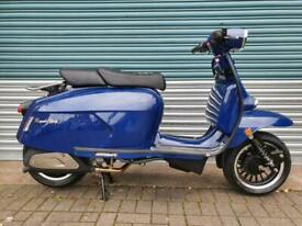 ROYAL ALLOY GP300 METAL BLUE BRAND NEW CLASSIC RETRO STYLE SCOOTER