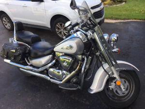 2004 Suzuki Intruder 1500 Awesome Running Bike LOW KM