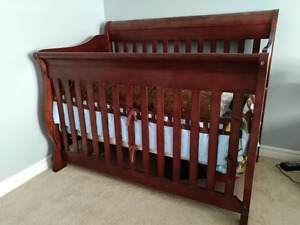 Baby crib and mattress for sale in excellent condition