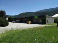 Commercial Bay with Office Space on TCH
