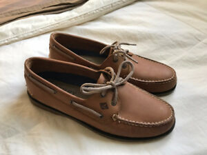 Sperry Top-Sider boatshoes for sale! (NEVER BEEN WORN)