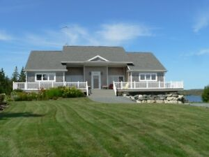 5 Yr. Old WATERFRONT BUNGALOW, PANORAMIC OCEAN VIEWS