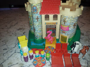 Vintage Fisher Price Little People Castle #993