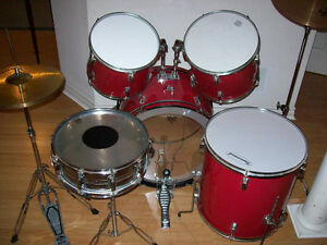 DRUM SET  --  FULL  SET UP