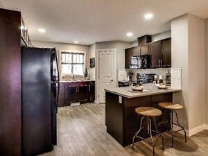 *NEW* TOWNHOUSE with DEN and Double Attached Garage