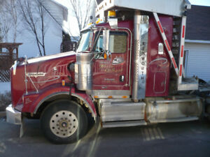 Camion Kenworth forestier 2010, tri-axel