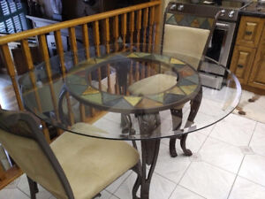 Round Glass Top Kitchen Table and chairs