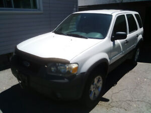 2006 Escape xlt $650 or OBO