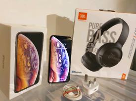 MINT Apple iPhone XS Gold 64GB Unlocked + NEW JBL Headphones