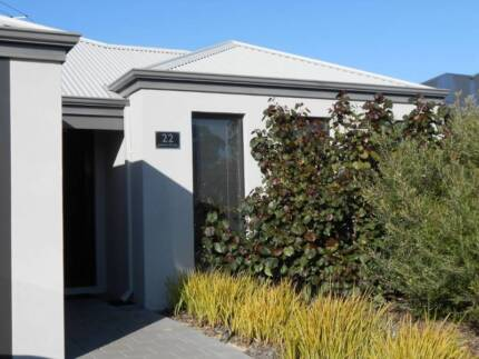 Bedroom available in quiet home with two others Madeley Wanneroo Area Preview