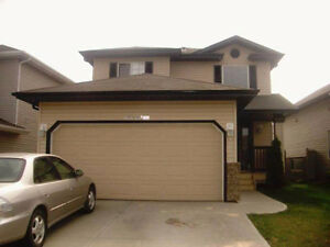 5 bedrooms and 3 1/2 baths home for rent!!!