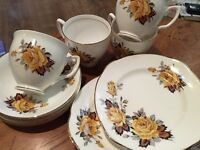 Lovely vintage 4 piece tea set, bone china