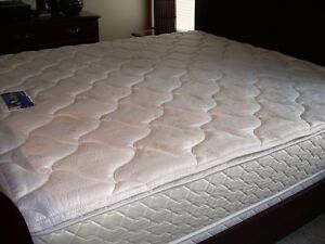 SERTA PERFECT SLEEPER - KING MATRESS AND BOX SPRING
