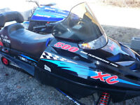 2 Sleds Trail Touring 550 & High Perforamance Twin 500 XC