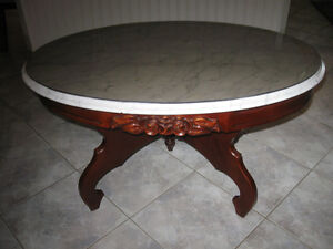GORGEOUS OLD VINTAGE VICTORIAN-STYLE MARBLE-TOPPED COFFEE TABLE