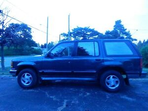 1994 Ford Explorer XLT SUV, Crossover