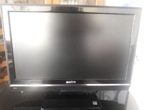 """18""""  LCD TV"""