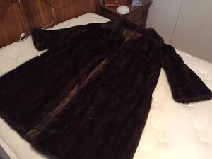 Excellent condition mink fur coat Gatineau Ottawa / Gatineau Area image 1