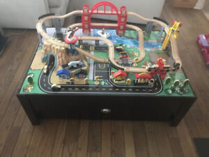 KIDCRAFT TRAIN TABLE (CONVERTS TO REGULAR COFFEE TABLE)