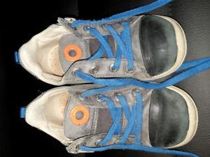 Ecco shoes boys size 7(24)