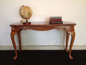 Classy Colonial Sofa Table / Hall Table