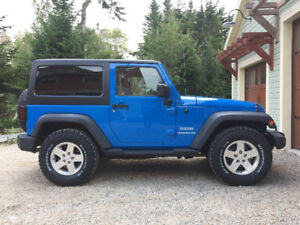 2011 Jeep Wrangler Sport *Rare Auto with A/C* Clean as New!
