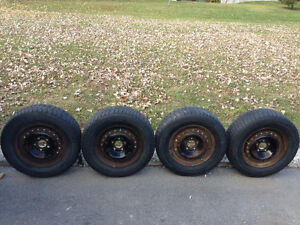 4 Winter tires 205 / 70 R15 MICHELIN X-ICE with rims good shape West Island Greater Montréal image 1