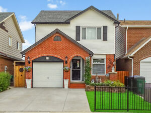 BEAUTIFUL UPGRADED DETACHED HOUSE -- OPEN HOUSE SATURDAY!!
