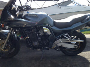 Still time to ride this year, do it on this great Suzuki Bandit