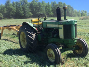 JOHN  DEERE 720 for sale