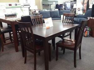 *** USED *** ASHLEY HYLAND 5PC DINETTE   S/N:51237870   #STORE905