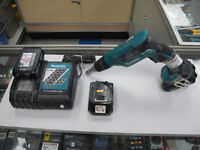 Makita LXSF01 Cordless Drywall Screwdriver 3 BATTERIES!!