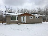 Remodelled home on 3 acres 25 min from Winnipeg