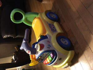 Voiture trotteur Fisher-price