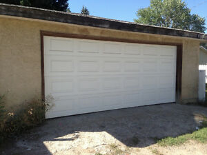 OVERSIZE Double Garage, Insulated, Powered, Southview(SE)