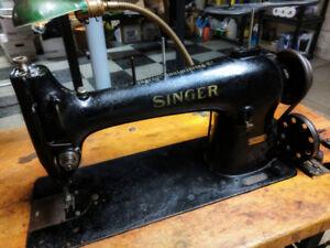 SINGER Industrial sewing machine 96K40