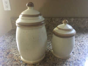 Pottery canister set