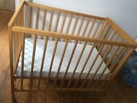 Small cot, ideal for newborn incl matress