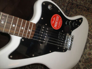 SQUIER AFFINITY JAZZMASTER ARCTIC WHITE ELECTRIC GUITAR NEW $240