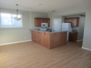 Bright and Spacious 2 bdrm in Blackfalds Available  Now